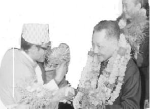 The writer Mr. Prasai was welcoming to the great leader Deng Xiaoping
