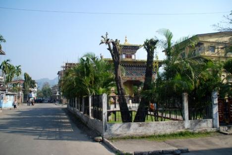sampdrupjongkhar town,Bhutan(photos:www.bhutantour.bt)