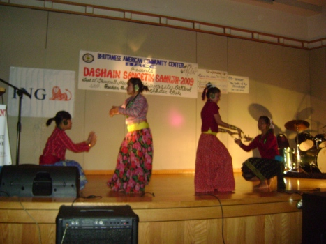 Resettled bhutanese girls in california presenting their Dance